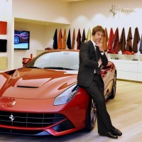 Jamiroquai star Jay Kay eyes up LaFerrari