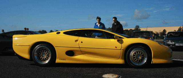 Jaguar XJ220: Fastest car in the world list