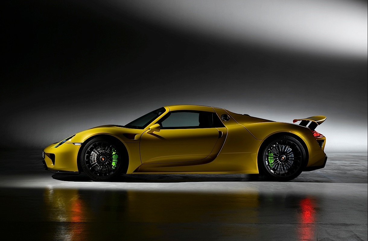porsche 918 spyder pictures. Black Bedroom Furniture Sets. Home Design Ideas
