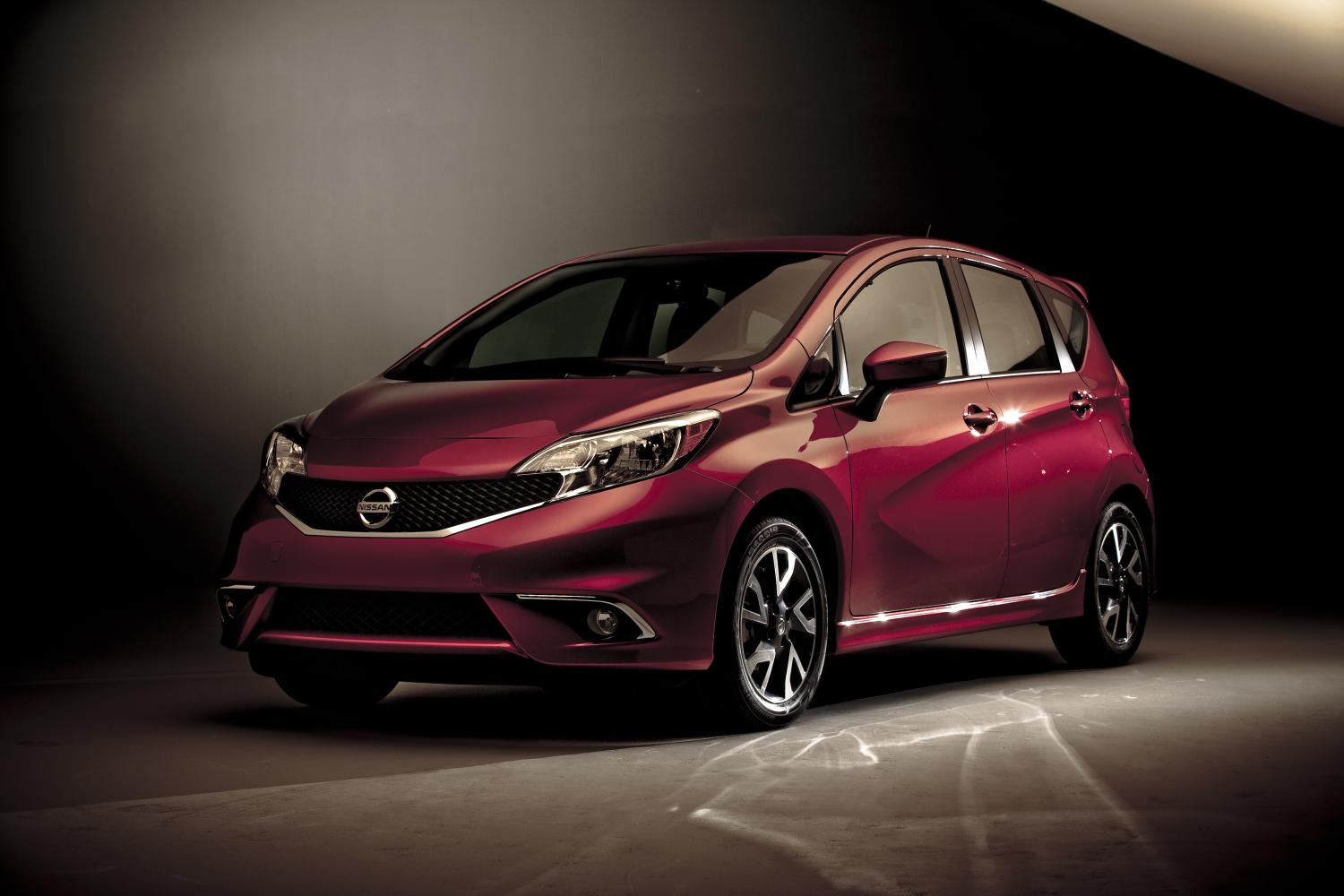 2015 nissan versa note price revealed. Black Bedroom Furniture Sets. Home Design Ideas