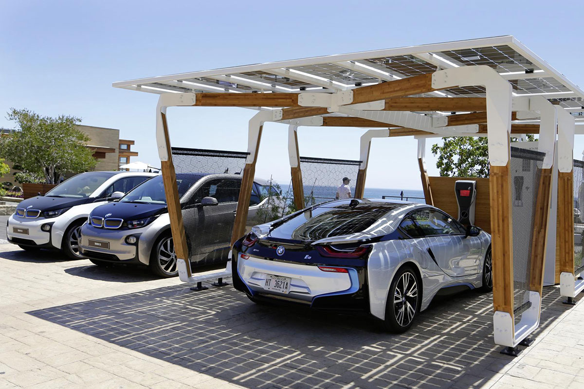 Power your bmw using a solar powered garage for Garage les milles