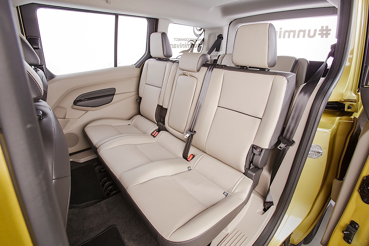 Ford Transit Connect Wagon, read seats.