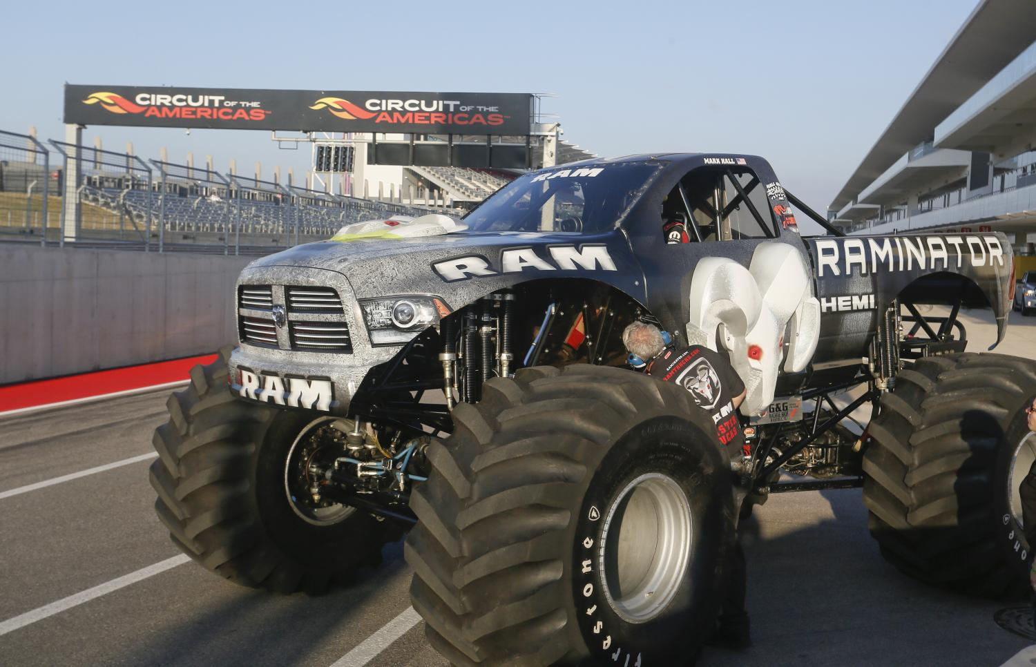 monster truck world speed record broken by the raminator. Black Bedroom Furniture Sets. Home Design Ideas