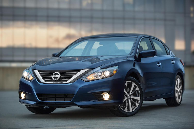 2016 Nissan Altima: First Look