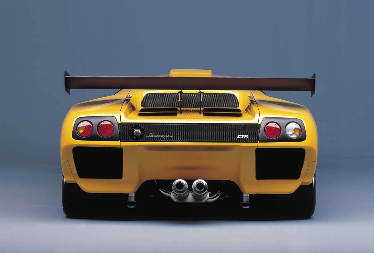 26 Photos That Show Why The Lamborghini Diablo Was The Coolest Thing To Come Out Of The 90s
