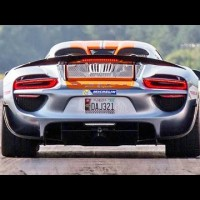 This video of a Porsche 918 Spyder drag racing is epic