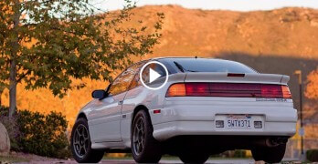 The 1991 Mitsubishi Eclipse GSX has hilarious seatbelts