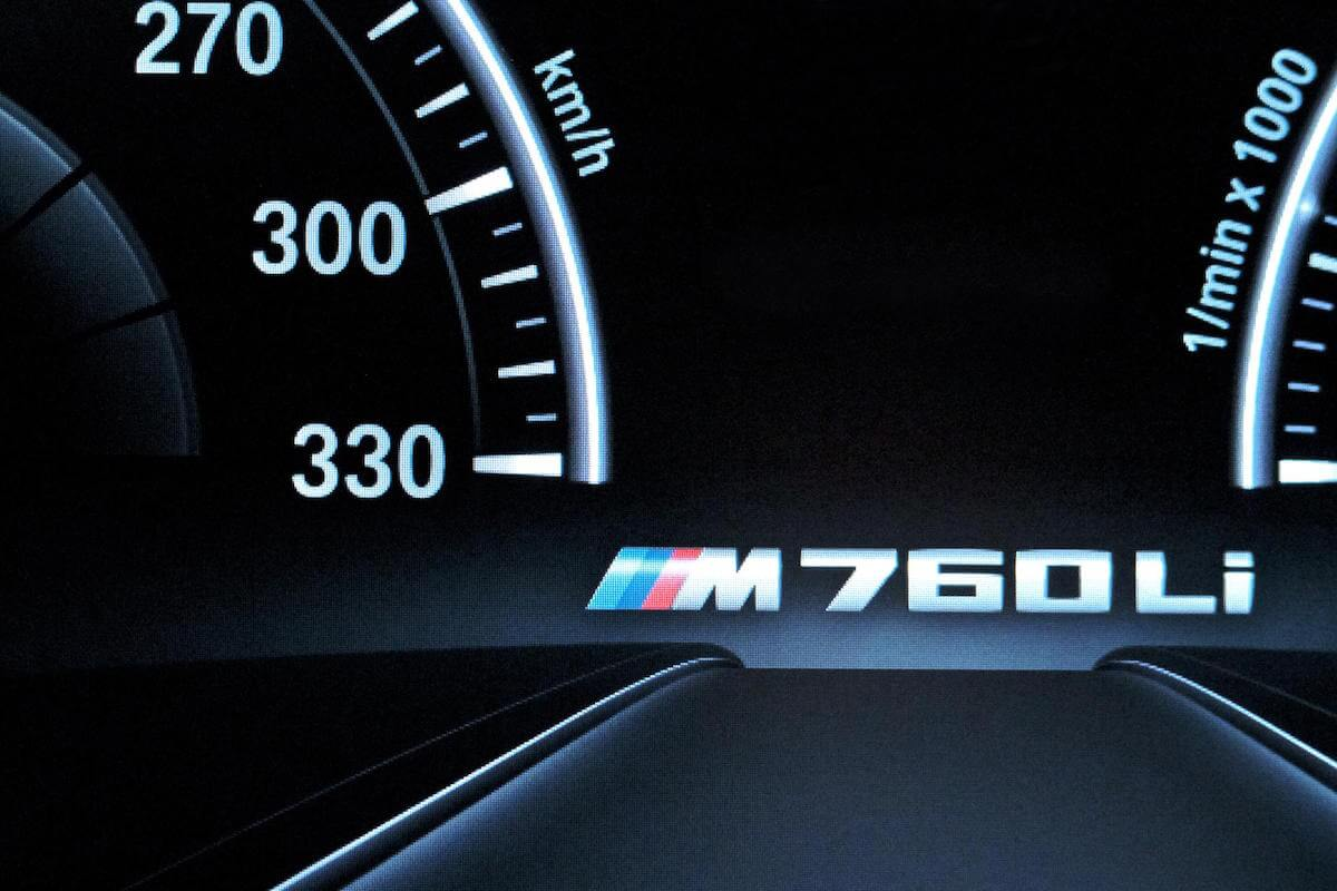 2017 BMW M760i xDRIVE Picture 14