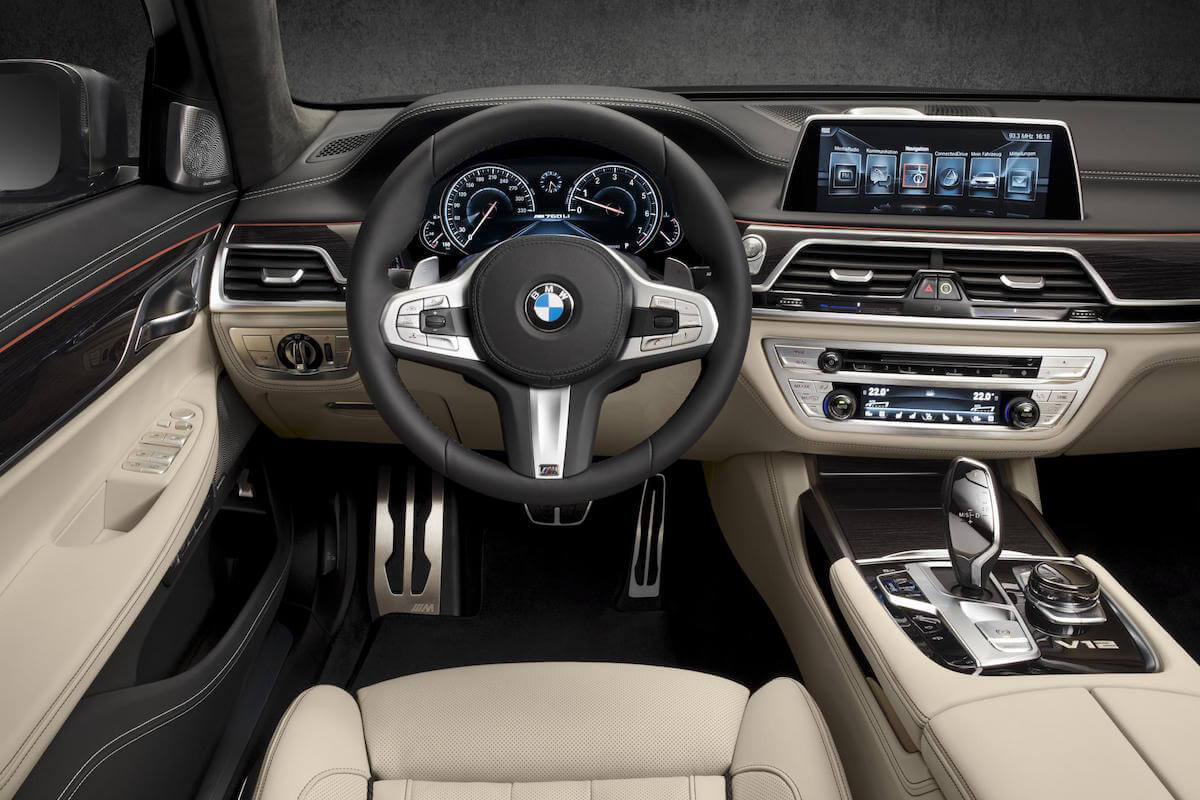 2017 BMW M760i xDRIVE Picture 8