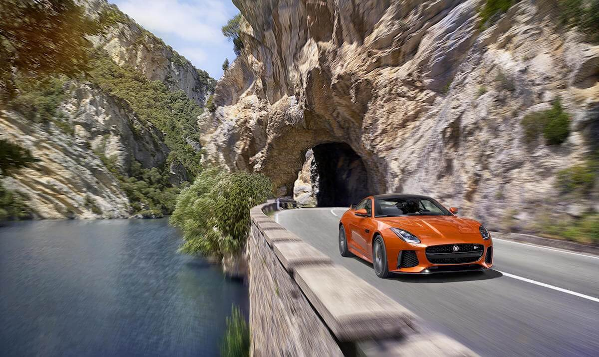 Jaguar F-Type SVR 2