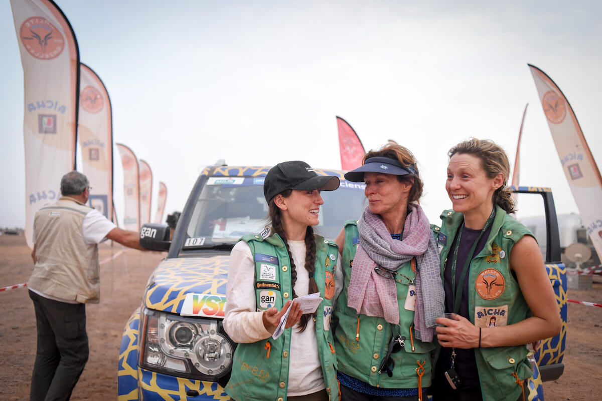 us women take grueling sahara desert rally by storm. Black Bedroom Furniture Sets. Home Design Ideas