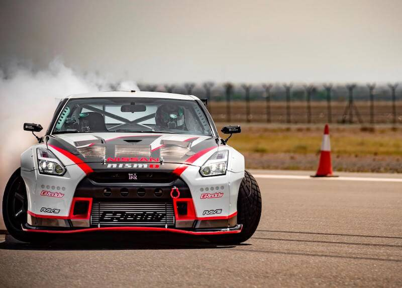 Nissan GT-R breaks Guinness World Record with 189mph drift